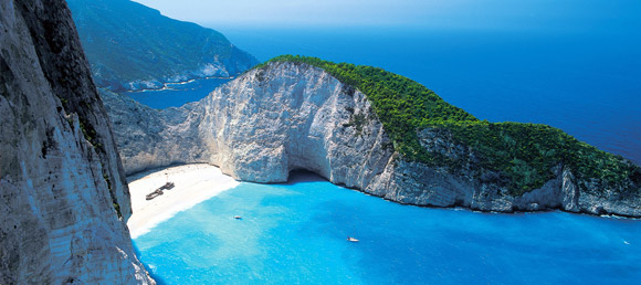 Piaszczyste plaże, wino i zabawa do rana